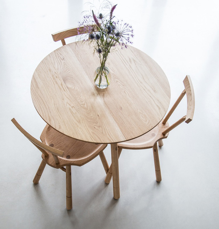 Circular 3 Legged Table